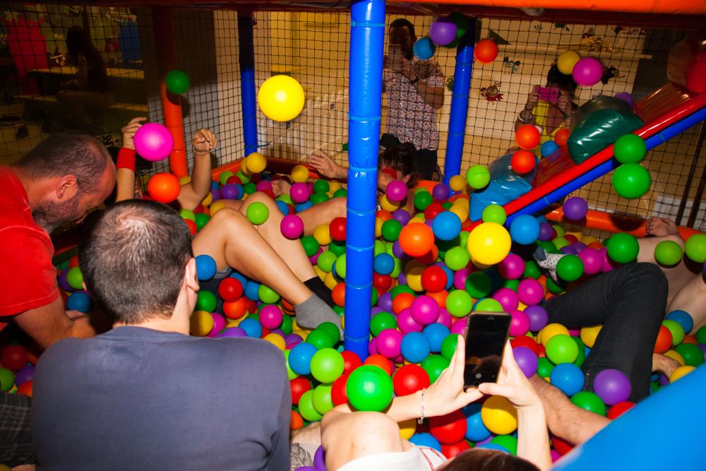 Tipos de celebraciones de adultos que se pueden celebrar en parques infantiles