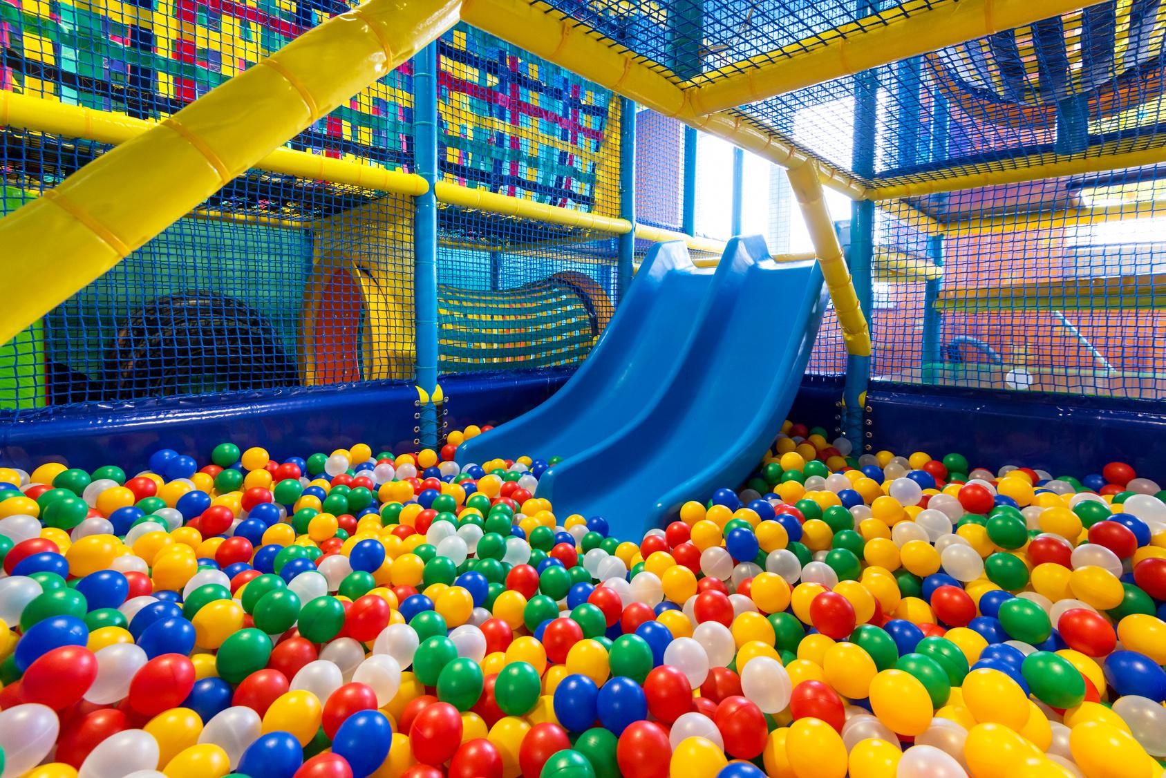 ¿Qué beneficios aportan los parques infantiles a los padres?