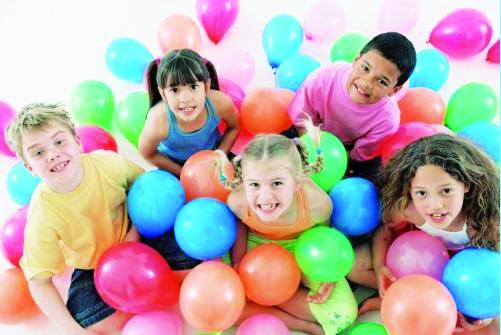 7 ideas para fiestas infantiles con globos hinchables