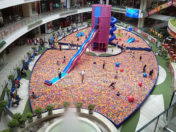 El parque de bolas más grande del mundo