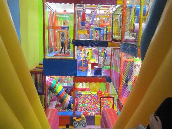 Cómo los parques infantiles ayudan a niños tímidos a sociabilizarse