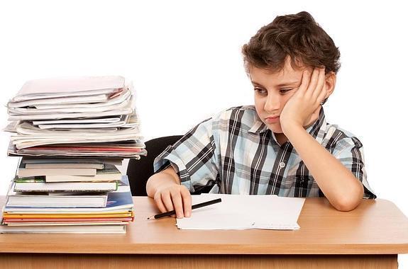 La polémica de los deberes, ¿cuántos hacen los niños españoles y cuántos los europeos?