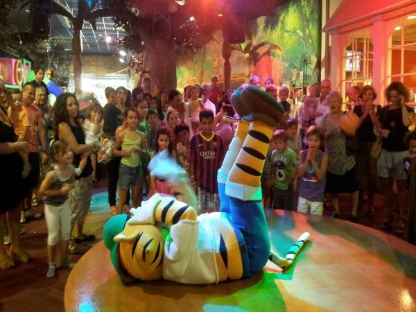 Celebra tu fiesta infantil en estos parques infantiles Aventura Park…