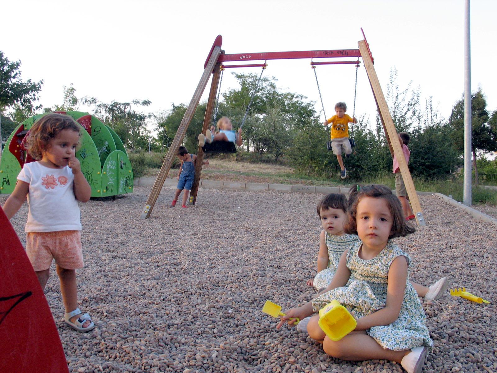 Los peligros a los que están expuestos los bebés en los parques al aire libre